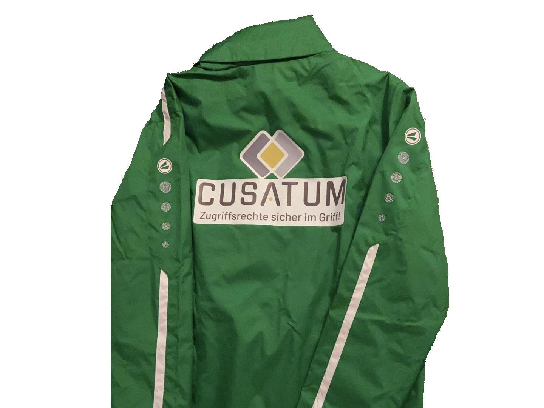 Jacke mit CUSATUM-Logo